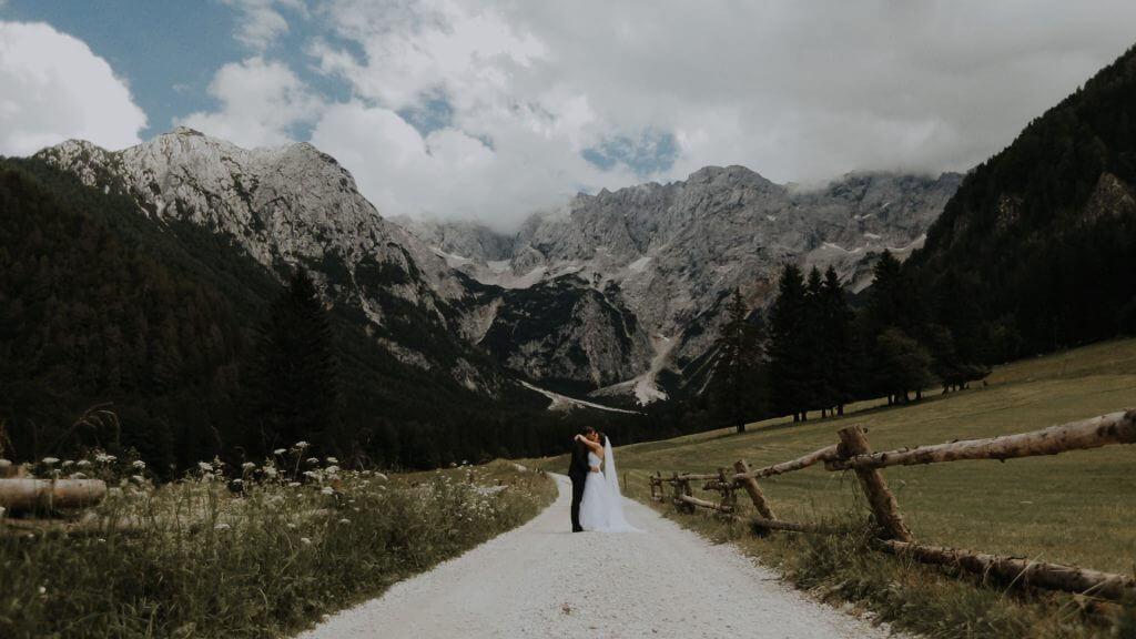 Simona & Jure poroka na Jezerskem